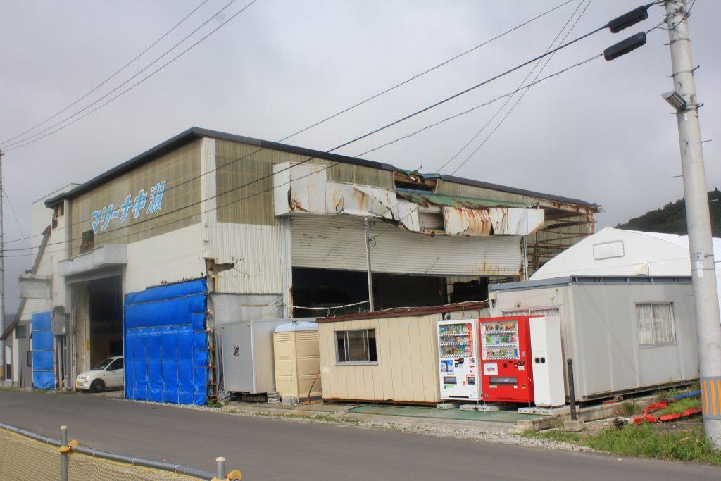 近所の被災したと思しき建物